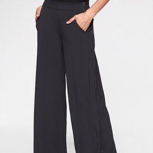 Athleta Gramercy Track Trouser - Black - Size 8